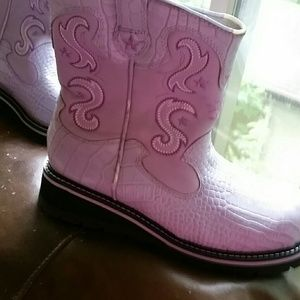 Lavender Chunky Roper Boots Size 9